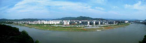 压题图·县城新区掠影