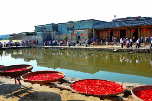 A图7:古村文化旅游红红火火