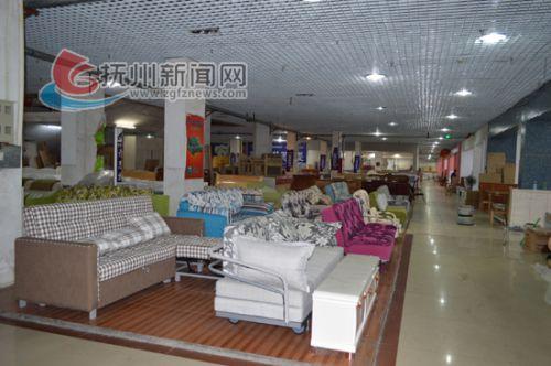 以前热闹非凡的五皇殿布匹市场变成如今的家具市场-