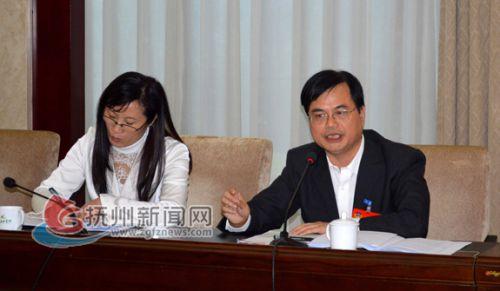 市政协委员何明:未来三年每年都将新增停车位