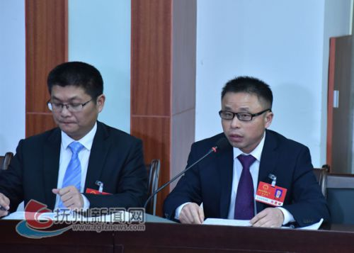 市人大代表陈小浪:努力抓好扶贫攻坚工作