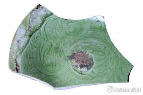 图8 龙泉窑珠光青瓷,釉色偏縁