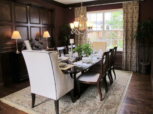 美国地产商的样板房,瓷砖使用很少,效果却很温馨