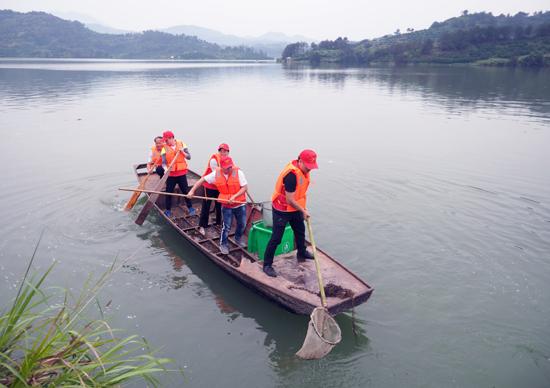 黨員清河護綠水