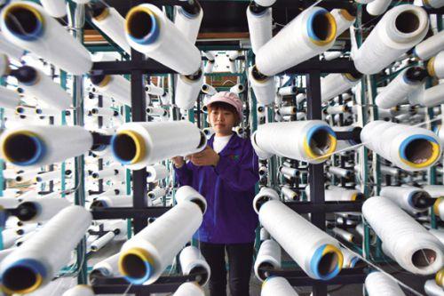 工人在丽影毛毯生产DSC_1751-