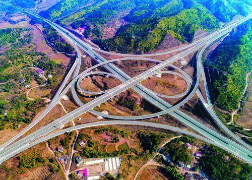 广吉高速、船广高速与济广高速相交的白田枢纽